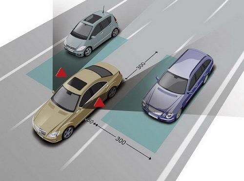 的发生都是由于汽车在进入十字路口或转弯时不遵守停车标志或者交通高清图片