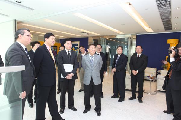 利奥集团主席梁镇华先生及利奥创新科技首席执行官李崇志先生热情接待江阴朱民阳书记访问香港总部。